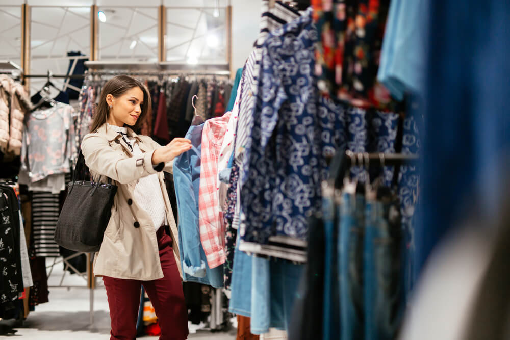 1e121918b37 It s a question that most have asked themselves before a job interview or  attending an event with work. What does the smart casual dress code  actually ...