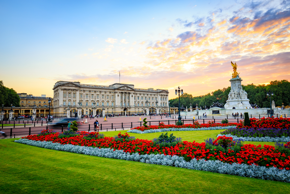 Great Sights Within 3 Stops of Buckingham Palace Tube - Park